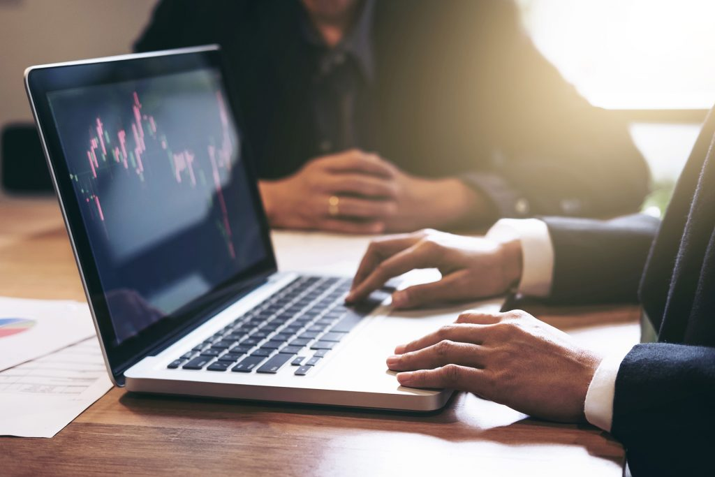 Trader Independant : comment se lancer dans une carrière ?